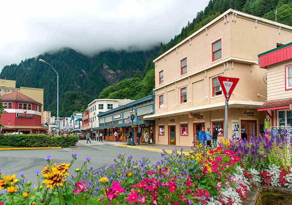 Juneau Alaska main street @shippee depositphotos.com